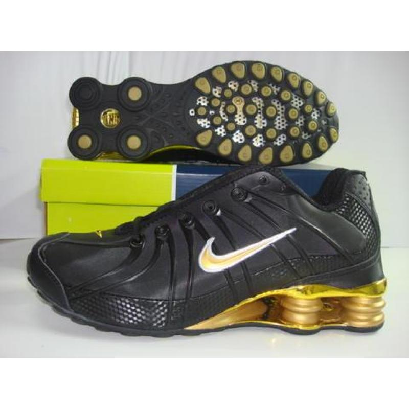 nike shox oz black gold mens nike shox oz black gold. Black Bedroom Furniture Sets. Home Design Ideas